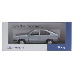 Model automobilu Hyundai Pony - stříbrný